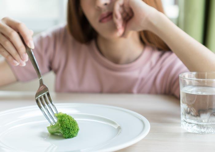 食事制限ダイエットは、つらいですね。