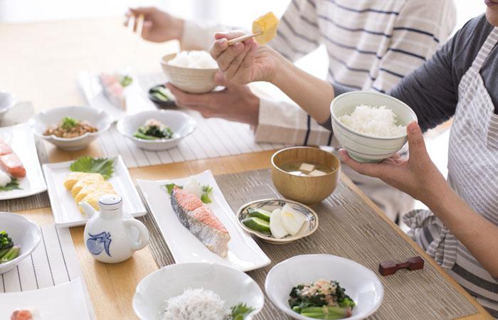 適切な糖質制限と食卓