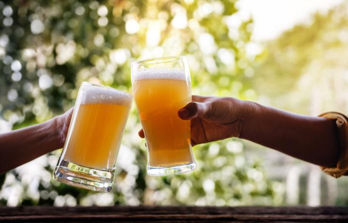 糖質制限中もビールは飲める?